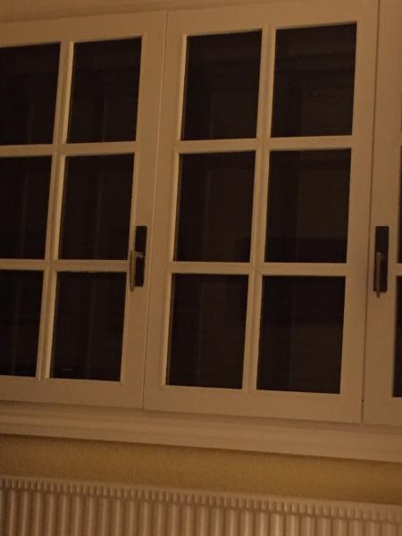 ¿Dónde comprar manillas con varilla para ventana de madera?