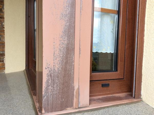 ¿Qué solución hay para carpintería de aluminio a la que se le ha saltado la laca?