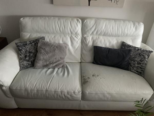 ¿Cuánto costaría tapizar sofás?