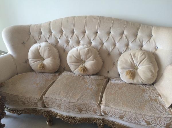 Como combinar un sofa de estilo para crear una sala - Galeria comercial del mueble arganda ...