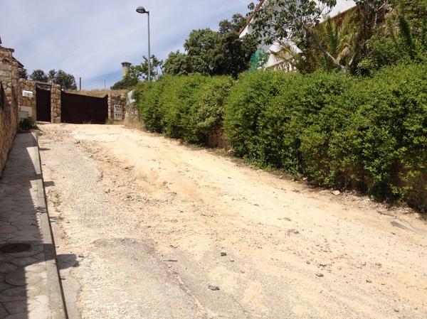 Asfalto u hormig n para calle de acceso en pendiente for Camino hormigon