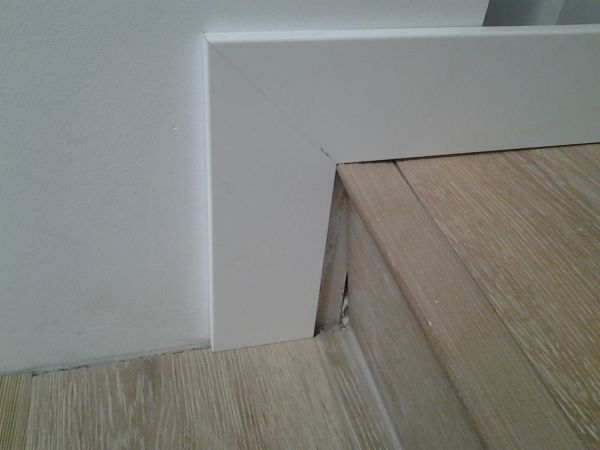 C mo poner rodapi en las escaleras habitissimo - Poner rodapie ...