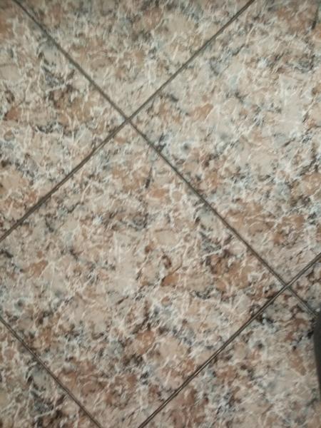 necesito poner un aislante para colocar un suelo vinilico con click