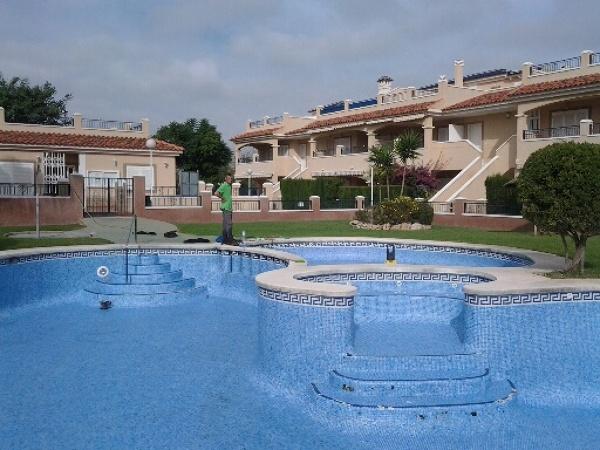 ¿Qué revestimiento es es mejor para una piscina comunitaria?
