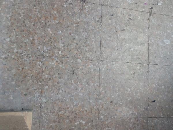 ¿Qué pintura puedo usar para el suelo de terrazo del balcón?