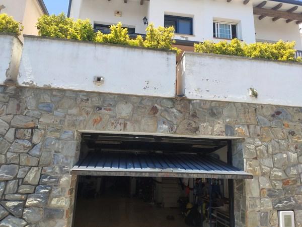 ¿Cuál sería la mejor solución para ampliar la entrada de mi garaje?