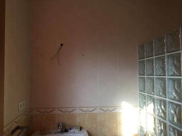 ¿Cuánto costaría poner micro cemento en las paredes?