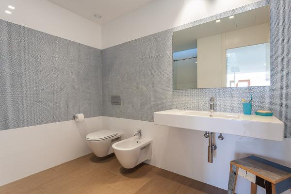 La pared es azulejo empapelado o pintado habitissimo - Precio de pintura para azulejos ...