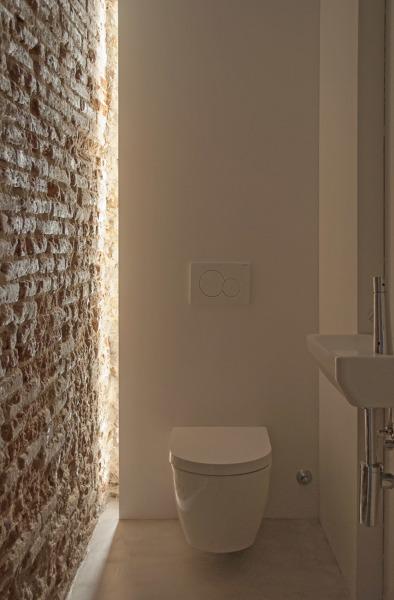 ¿Esta pared es de ladrillo o es un panel imitación ladrillo?