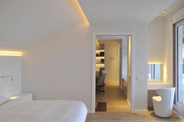 Qu modelo y marca es la lampara habitissimo for Lamparas cabezal cama