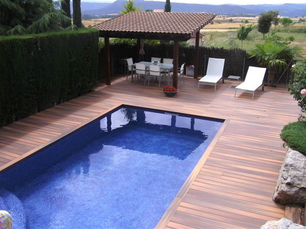 Medidas de la piscina habitissimo for Piscina sabadell