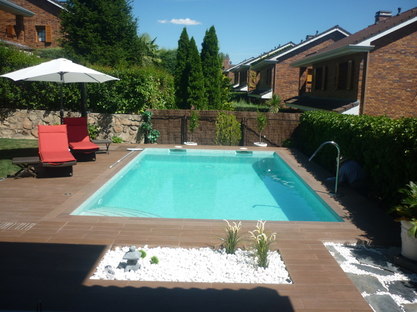 Cu l es el color del gresite de esta piscina habitissimo - Gresite piscinas colores ...