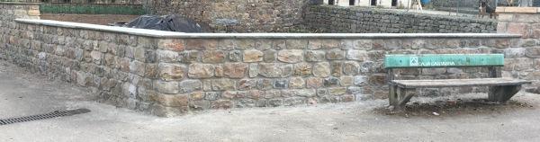 ¿Cuánto costaría un muro de piedra?