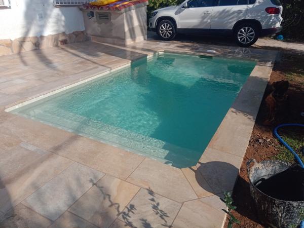 ¿Qué precio tendría una piscina parecida a la de la foto?