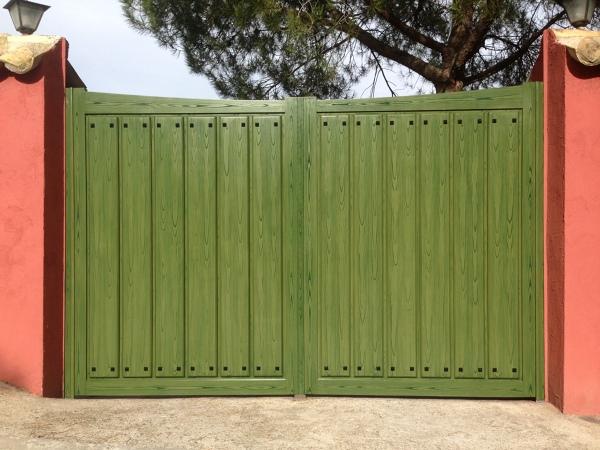 ¿Cuánto costaría una puerta de garaje como esta?