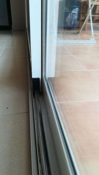 Cu nto costar a reparar unas puertas correderas de - Puerta terraza aluminio ...