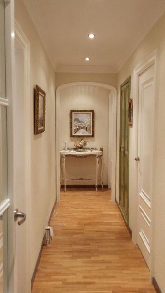 ¿Podría recibir modelos de puertas parecidos a los de la foto?
