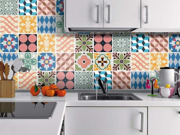 De qu material es el recubrimiento de la pared habitissimo - Cambiar cocina con vinilo ...