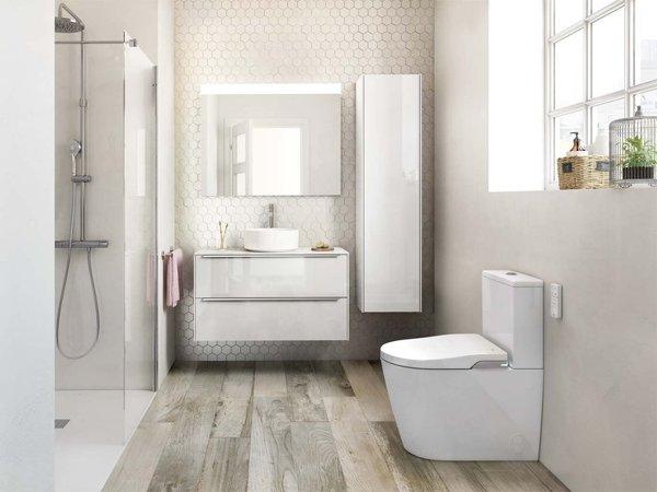¿Qué material se ha utilizado para las paredes de la ducha?