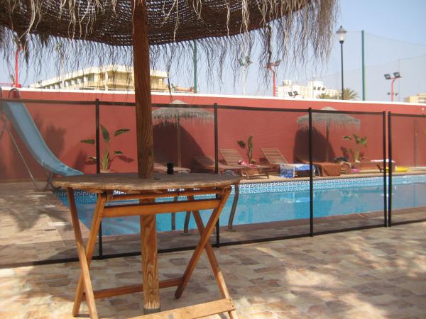 Como instalar valla metalica simple como instalar valla for Que precio tiene hacer una piscina