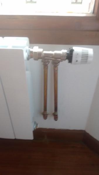 ¿Es correcta la instalación de válvulas monotubo en calefacción monotubo?