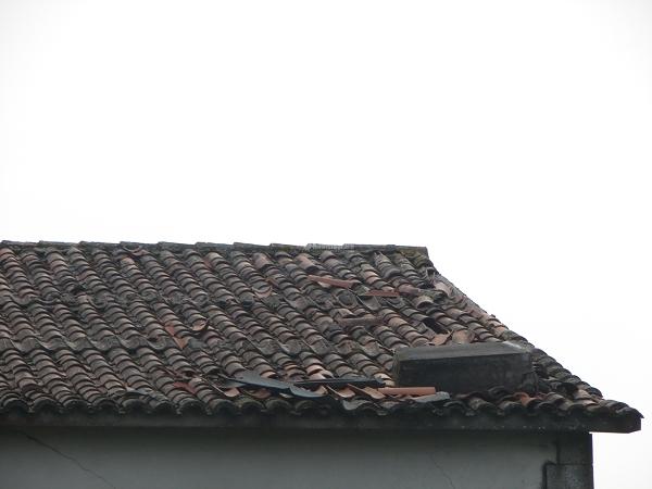 ¿Cuánto me puede costar cambiar el tejado de una casa de campo de unos 60m2 en Galicia?