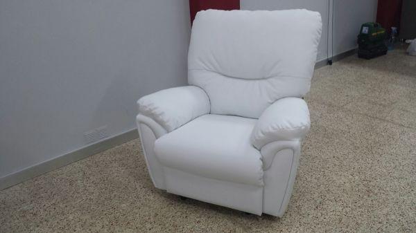 Cu nto cuesta este sill n blanco habitissimo - Cuanto cuesta tapizar un sillon ...