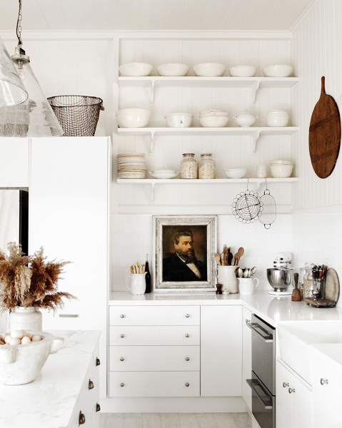 las paredes de mi cocina son de cermica y quiero saber si se puede colocar madera encima