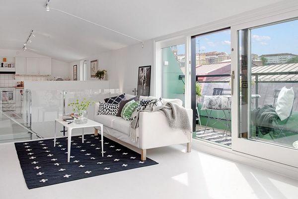 ¿Cuánto me costaría poner este suelo en un balcón?