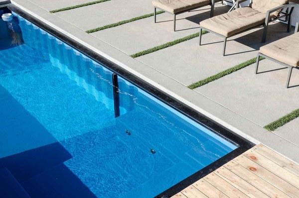¿Qué otro recubrimiento le iría a la piscina?