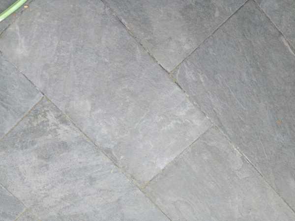 ¿Cómo limpiar suelo porcelánico gris?