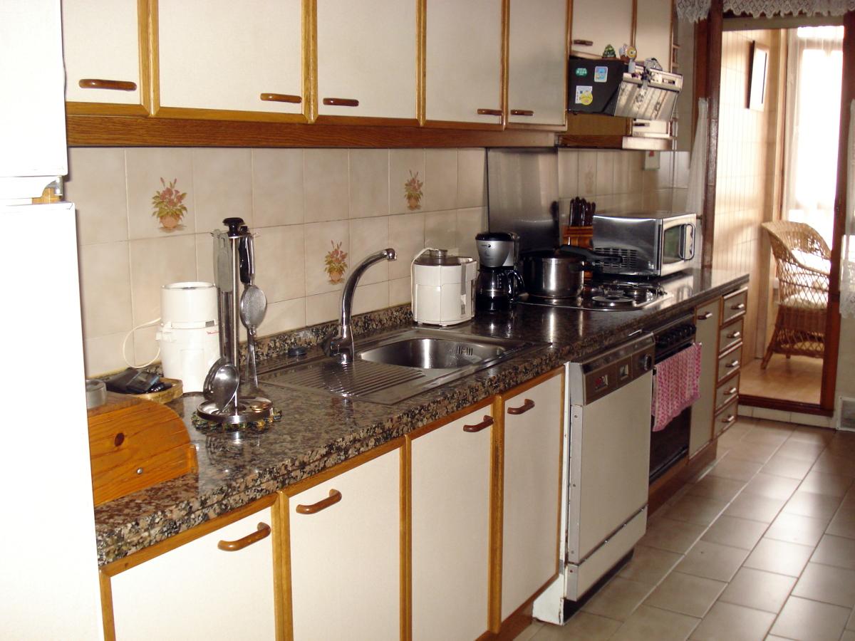 Reformar cocina cambiar ventanas parquet y amueblar sala - Reformar cocina pequena ...