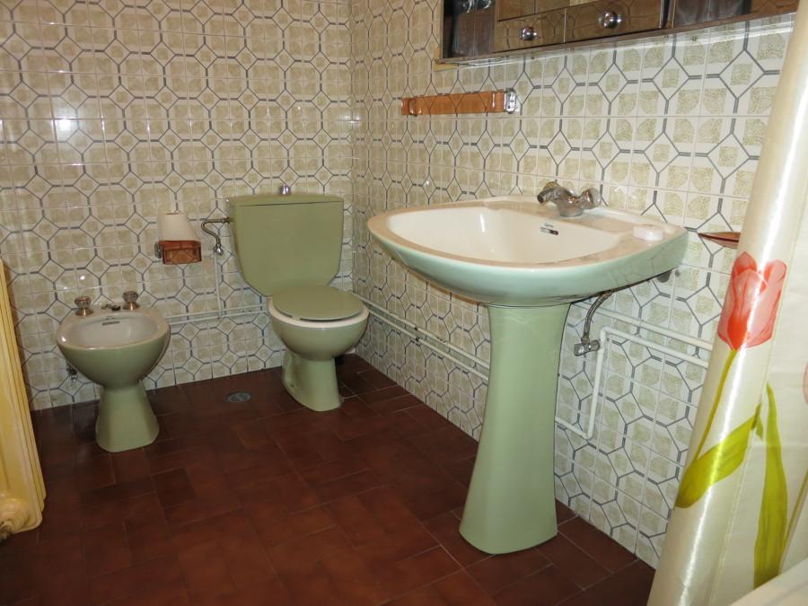 Reforma Baño Azulejos:Pintar 2 baños con esmalte específico para azulejos – Chapela