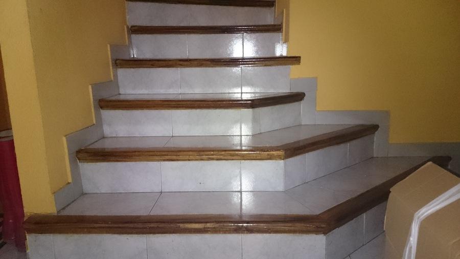 Forrar pelda os de madera getafe madrid habitissimo - Peldanos escalera madera ...