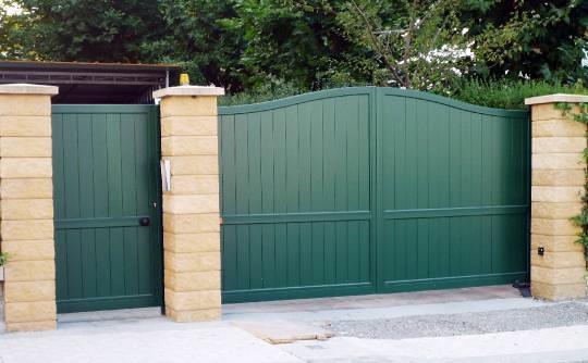 Pin puertas jardin portones cercos madera dura genuardis - Puertas de madera para jardin ...