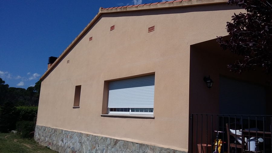 Pintar exterior casa unifamiliar caldes de malavella - Presupuesto pintar casa ...