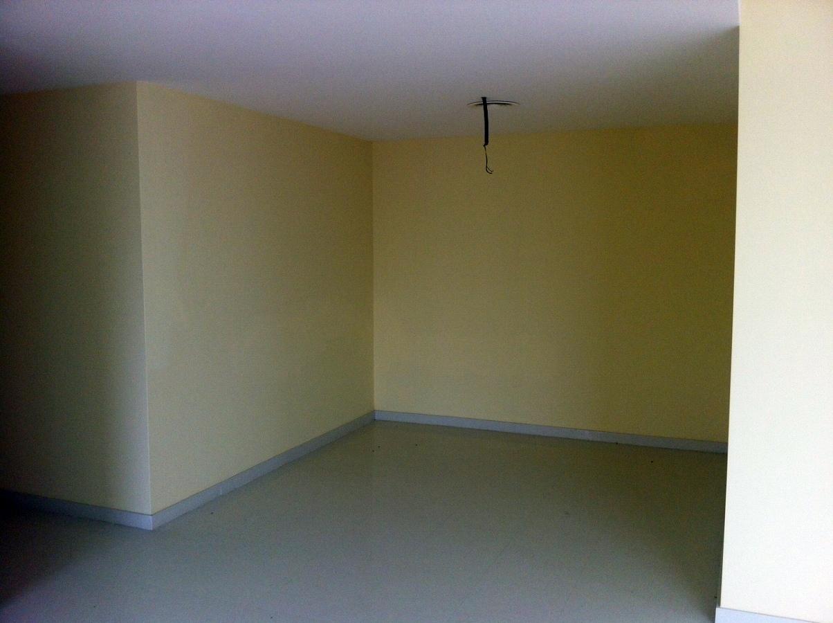 Pintar interior vivienda puertas y muebles cocina - Precio pintar piso barcelona ...