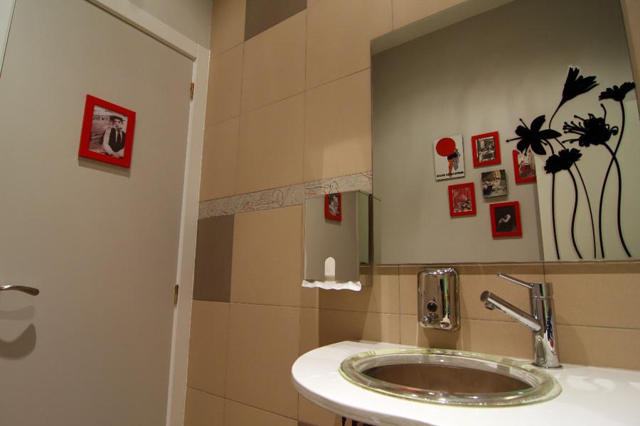 Baño Con Antebaño Medidas: encimera y hacer armario a medida para baño en centro de estética