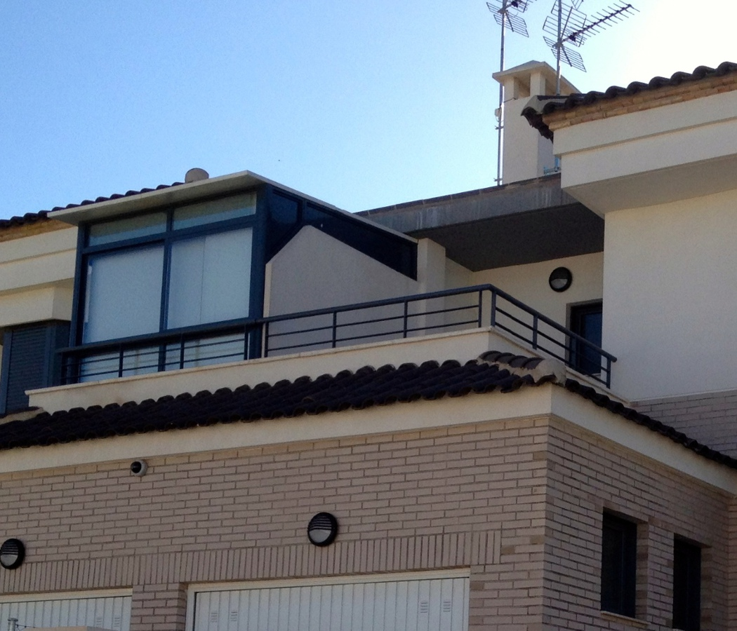 Cubrir terraza de 3m x 3 5m de techo y teja el vedat de - Como cubrir una terraza ...