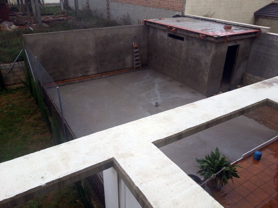 Reformar casa construir caseta en jard n y piscina for Como hacer una caseta de jardin barata