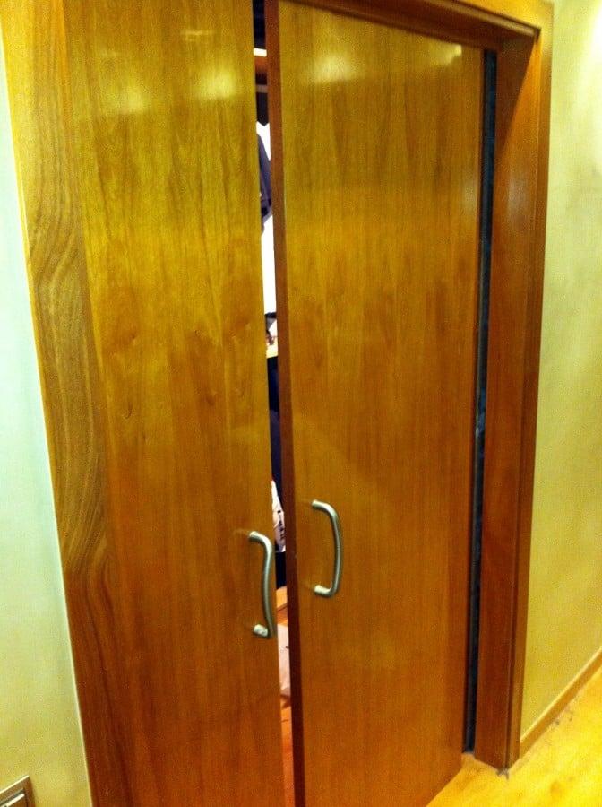 Cambiar puertas de madera correderas por nuevas madera for Precio puerta madera maciza