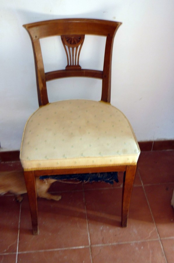Tapizar y encolar sillas y cabecero de cama valdemorillo for Tapizar sillas precio