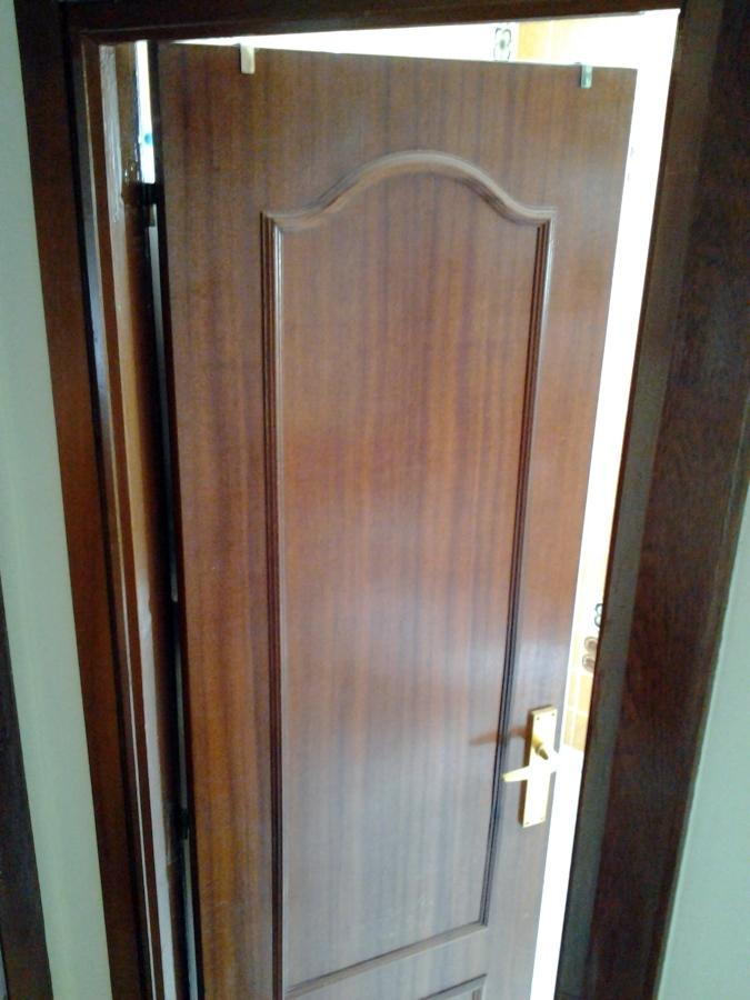 Cambio de puertas vitoria gasteiz lava habitissimo for Puertas prefabricadas precios