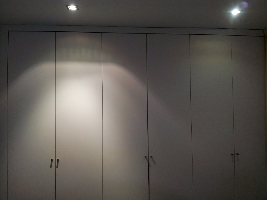 Colocar vinilo decorativo en puertas armario - Vinilos puertas armarios ...
