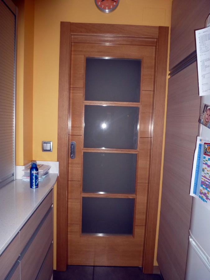 Instalar puerta corredera cocina ventall girona - Puertas correderas para cocinas ...