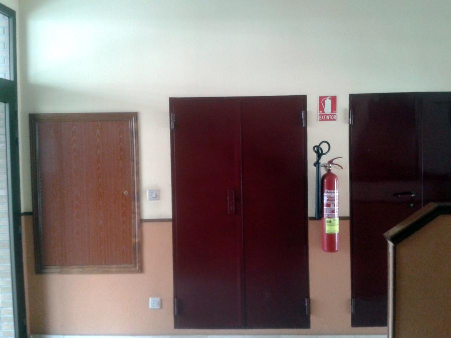 Reformar comunidad alicatar entrada de bloque y pintar - Pintar entrada piso ...