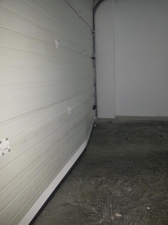 Pintar suelo garaje particular con epoxi san juan - Suelo de garaje ...