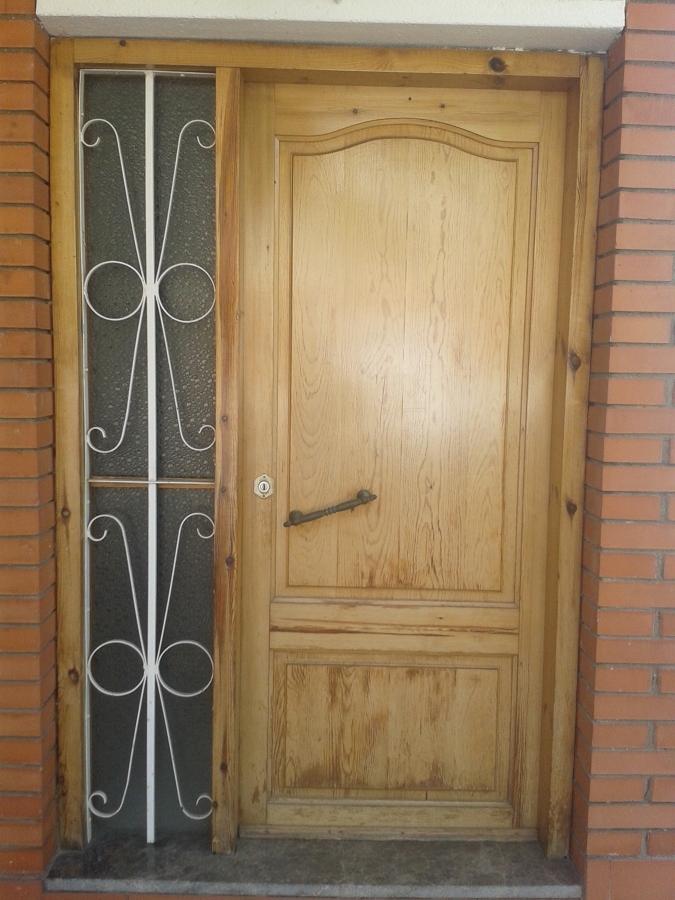 Puerta de aluminio mollet del vall s barcelona for Presupuesto puerta aluminio