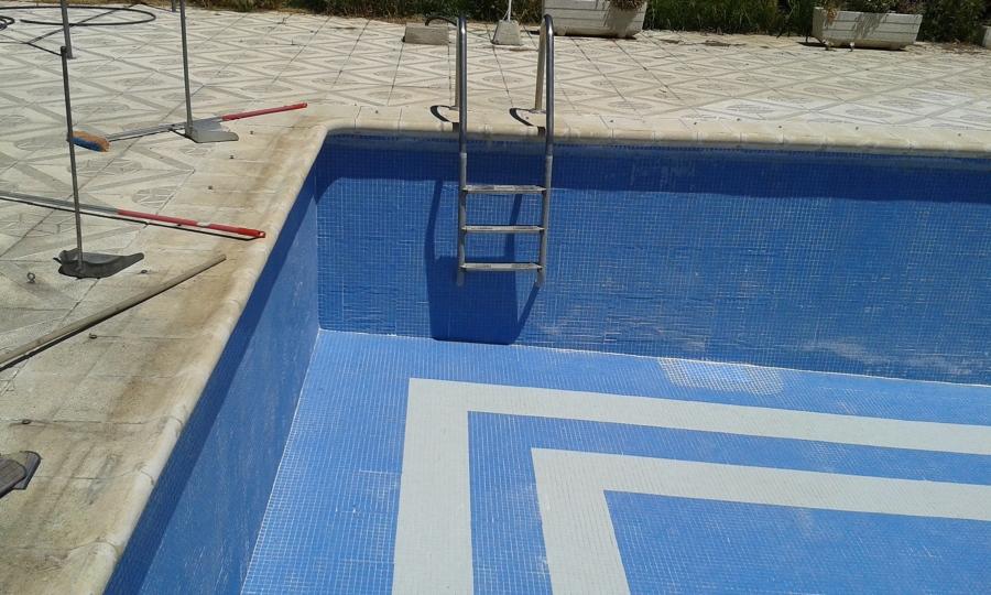 Escalera de obra en piscina aranjuez madrid habitissimo for Presupuesto piscina obra