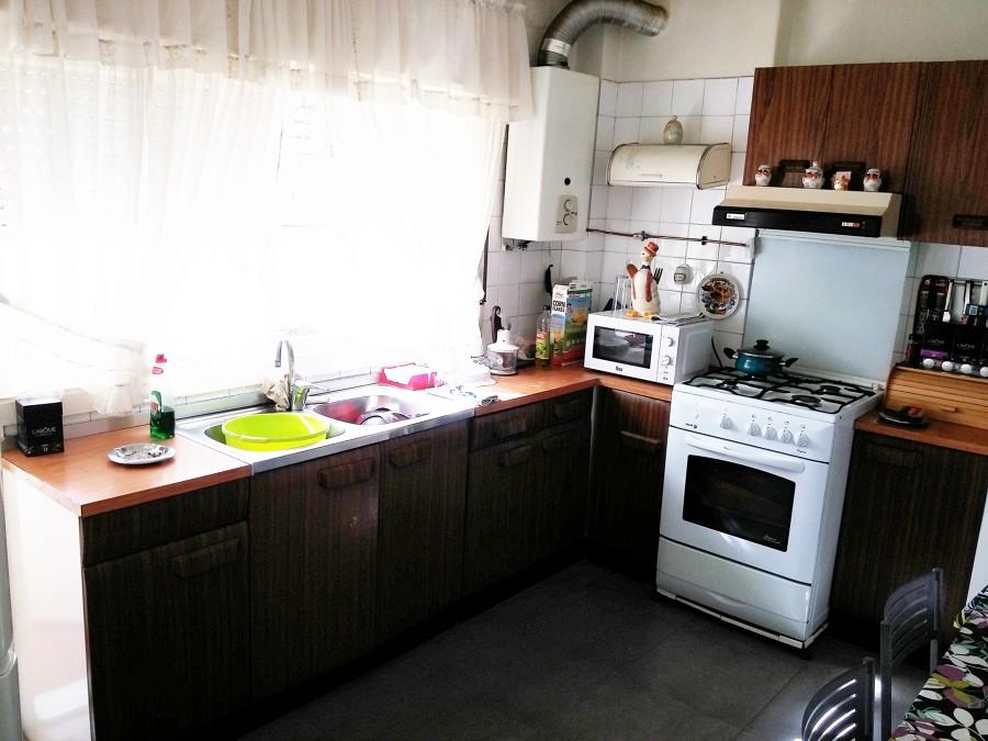 muebles de cocina con la parte de arriba en marmol en vez de madera